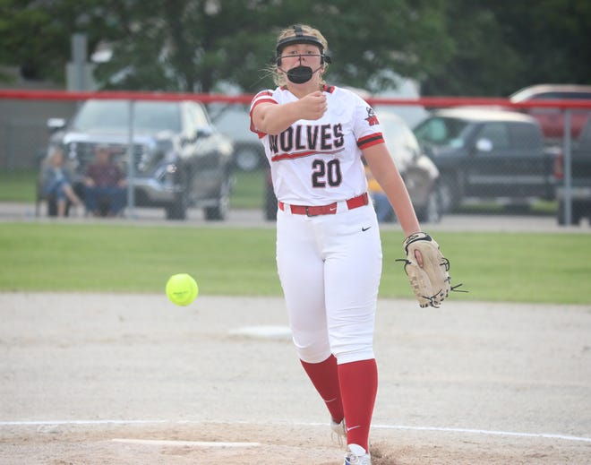 WMU senior Madie Anderson throws a pitch during Wednesday's 10-0 win over New London in a Class 1A regional quarterfinal game at Winfield.