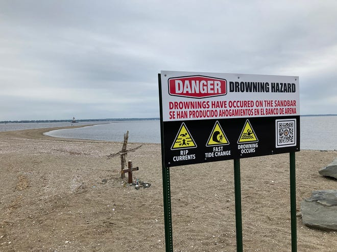 One of the new signs at Conimicut Point Beach, Warwick.
