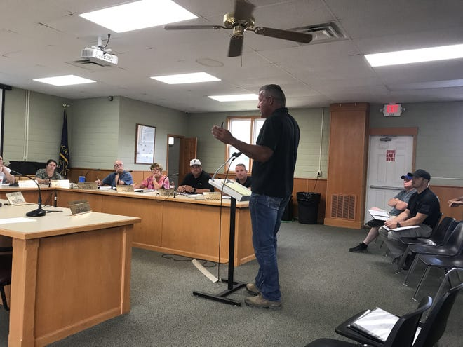 Frontenac resident Jason Hipfl spoke at this week's city council meeting, asking city officials what they're doing to stop catalytic converter thefts.