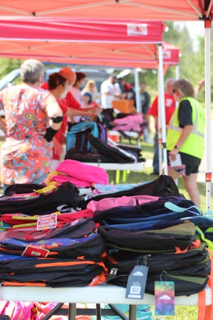 La Esperanza Clinic will give 300 backpacks to San Angelo students at this Sunset Mall event.