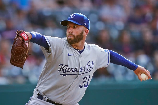 Danny Duffy will finish his season with the Los Angeles Dodgers after being traded by the Kansas City Royals Thursday.
