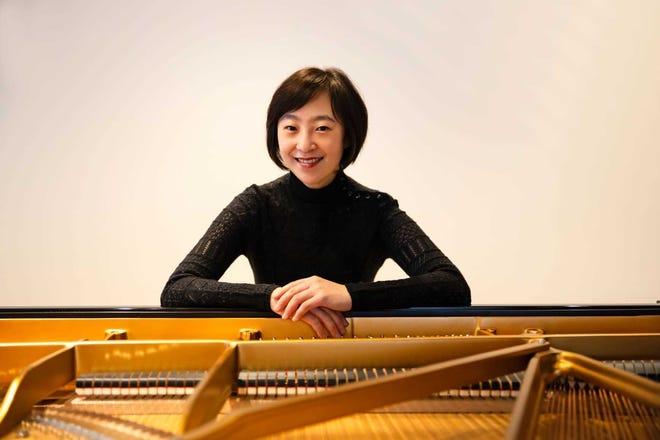 Pianista Natalie Chu sărbătorește 13 ani ca director artistic al Festivalului de muzică de cameră Kingston.