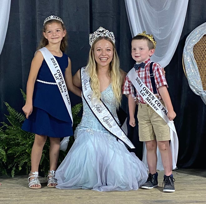 Hanna Cunningham, left, and Lane Page, right, were crowned the 2021 Owen County Fair Little Miss and Mister recently. The joyous little ones are shown with 2021 Owen County Fair Queen Elizabeth Beeman.