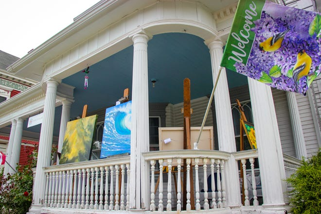 A banner welcomes visitors to Art on the Porch at the Greater Fall River Art Association, 80 Belmont St., on Sunday, July 11, 2021.
