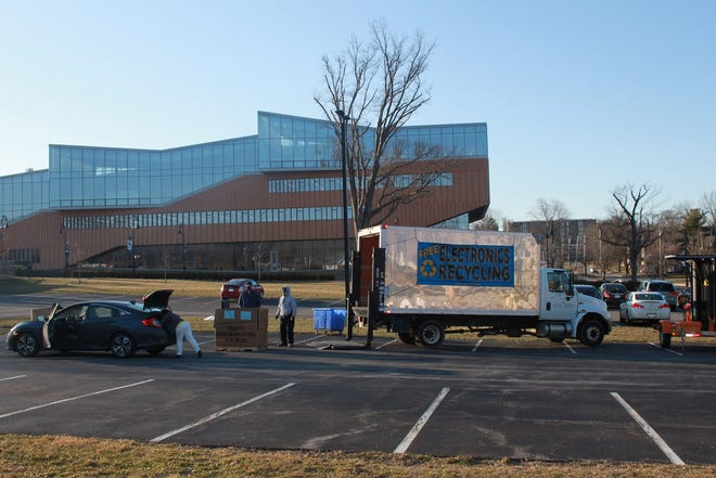 Kent State University holds a free electronics recycling event that is open to Kent State students, faculty, staff and Kent community members.