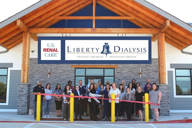 The Stephenville Chamber of Commerce welcomed new member U.S. Renal Care - Liberty Dialysis with a Ribbon Cutting Ceremony on Thursday, June 10. U.S. Renal Care is a dialysis provider conveniently located in Stephenville available for people living with chronic and acute renal disease with in-center and home treatment options. The U.S. Renal Care team will help patients navigate through the kidney disease journey, from education, coordinating treatment, facilitating the transplant process, and everything in between. U.S. Renal Care is open Monday, Wednesday and Friday, but has plans to expand care to Tuesday, Thursday, and Saturday as well. For more detail, visit bit.ly/RC-USRenalCare