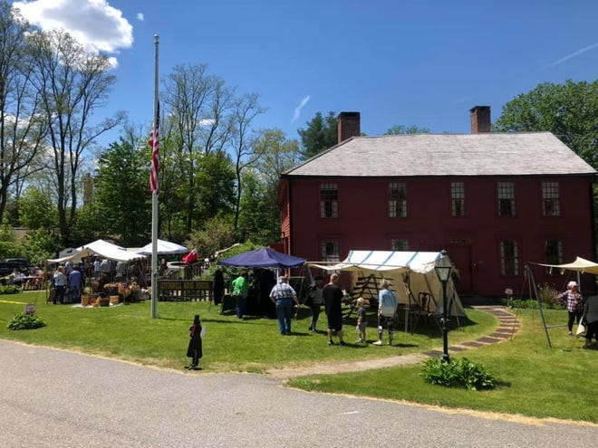 Leffingwell House Museum outdoor event.