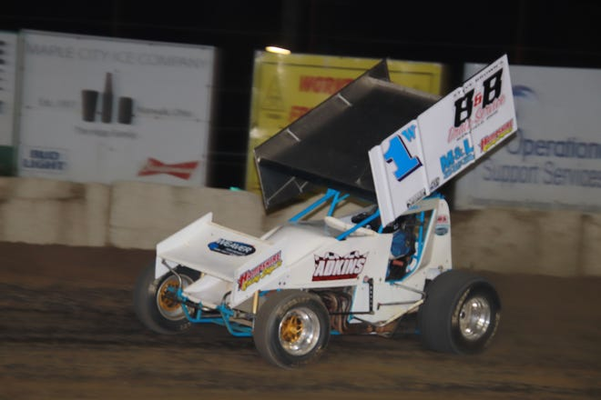 Paul Weaver wins his 62nd career race at Fremont Speedway to tie Gug Keegan on all time list.