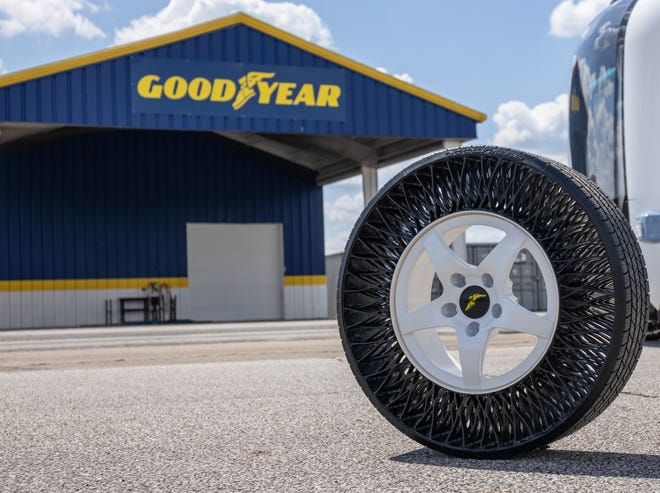 Goodyear Tire & Rubber Co. is testing an airless, or non-pneumatic, tire and wheel assembly on autonomous shuttles in Jacksonville, Fla.
