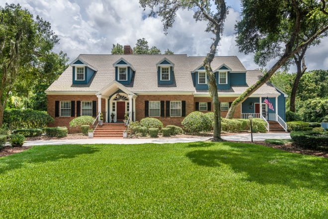 With over 10,000 square feet of superior construction, the home and its two-and-a-half-acre grounds are offered in immaculate condition.