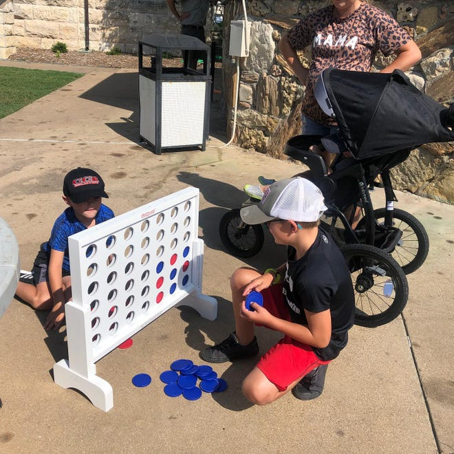 The Glen Rose Intermediate School Library hosted a Cool Reads event from 9 a.m. to noon on July 8 on the Glen Rose Square. Kids were able to play some games, pick out a book, and head over to Shoo Fly for some ice cream.
