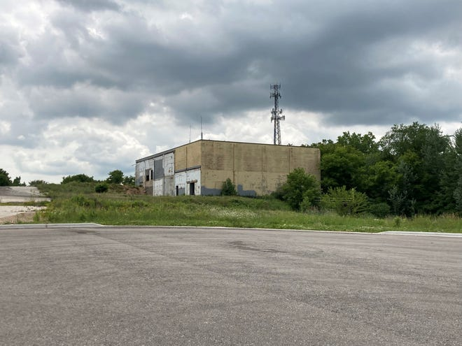A remnant of the former JBS Packerland Packaging complex in the 2500 block of University Avenue. A plan to convert the site into apartments has stalled, but Green Bay-based Toonen Properties has stepped in with plans to build 209 more rental units on the site beginning in 2022.