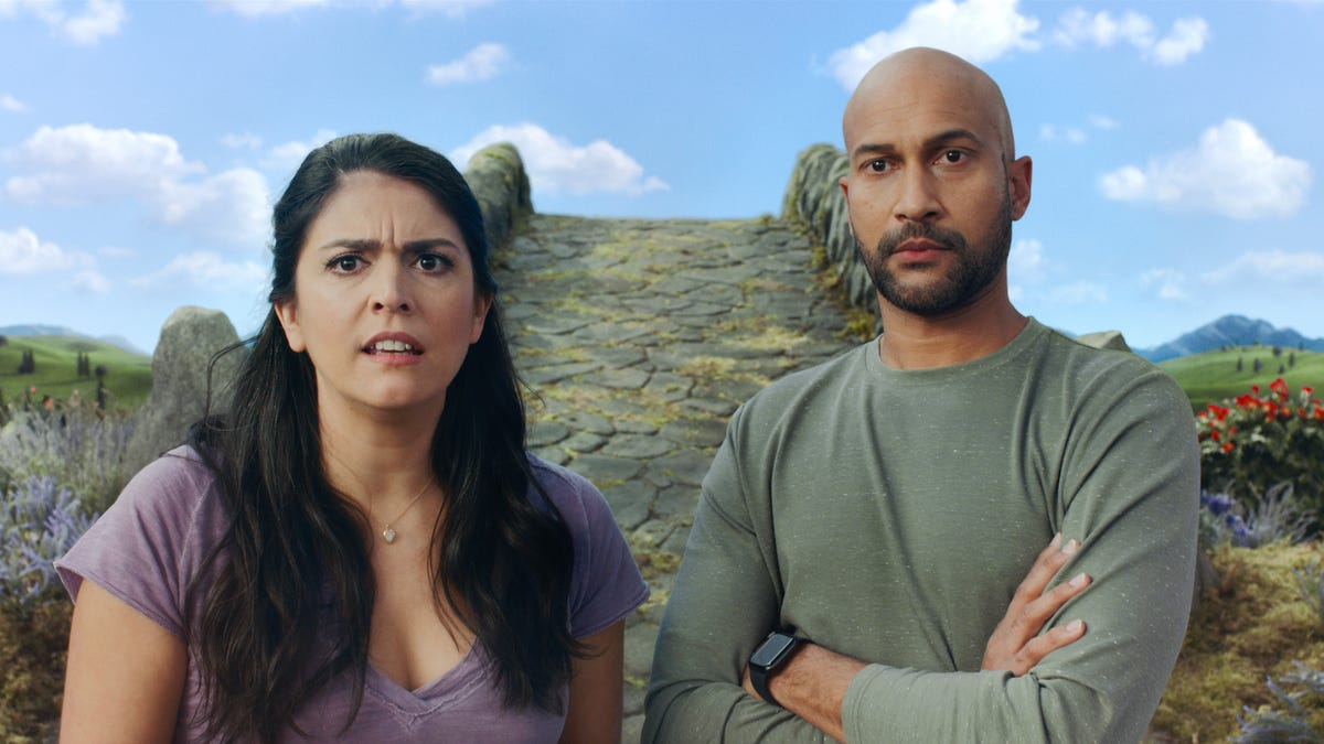 'Schmigadoon!' is for lovers of musicals or Keegan-Michael Key and Cecily Strong fans