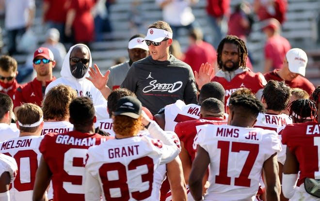 Oklahoma head coach Lincoln Riley addresses his players after the Sooners' spring game in April. With usual CFP heavyweights Notre Dame and Ohio State possibly taking a step back this season, is this the year Oklahoma could push through in the national playoff?