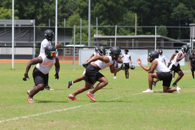 Donaldsonville participated in a seven-on-seven session at Dutchtown on Tuesday.