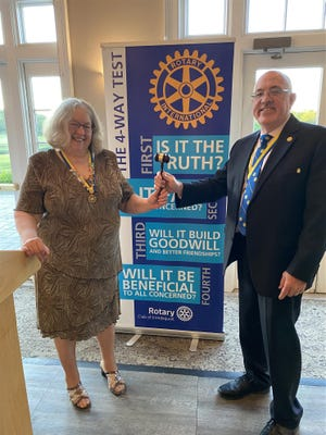 Irondequoit Rotary Club holds its annual Installation Changeover Dinner at Cobblestone Creek Country Club. 2020-21 President Tom Kosanke welcomed incoming President Lynn-Marie Wozniak, who will lead the club in its 55th year.