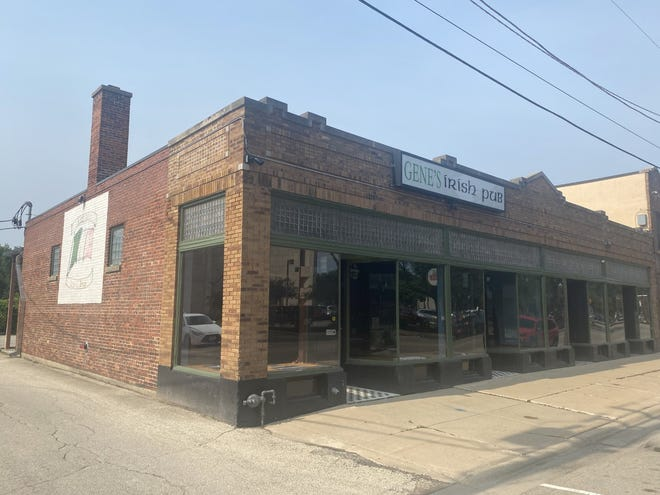 Ernie's Midtown Pub is slated to open in September at 1025 Fifth Ave. in Rockford, the former site of Gene's Irish Pub.