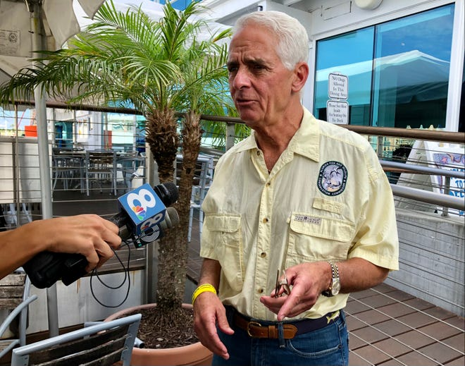 U.S. Rep. Charlie Crist, a Democratic candidate for governor, unveiled a clean water plan Wednesday during an event in Sarasota