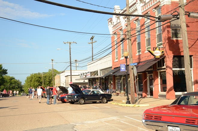 During his July 13 report to the City Council, City Manager Lane Jones said staff is currently reviewing the costs associated with repaving the Van Alstyne historic district and moving some utilities underground.