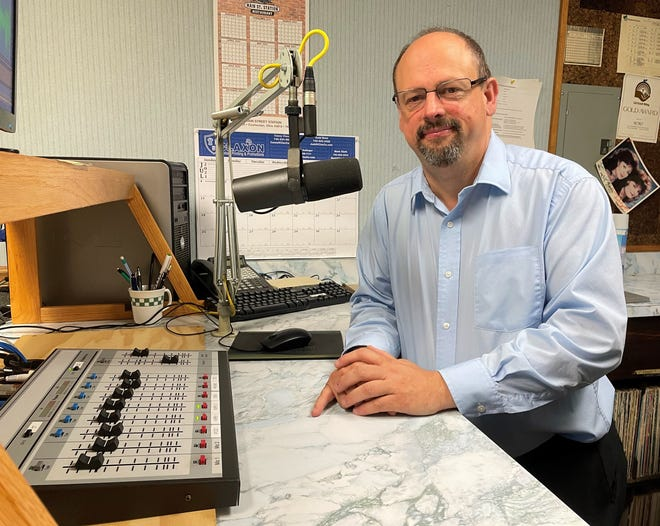 Ken Smailes will be leaving as WTNS news director at the end of the month after 25 years with the station. He also served six years with the Coshocton Tribune. Smailes will become a full-time pastor for three Methodist churches and continue to pursue his passion of local history.
