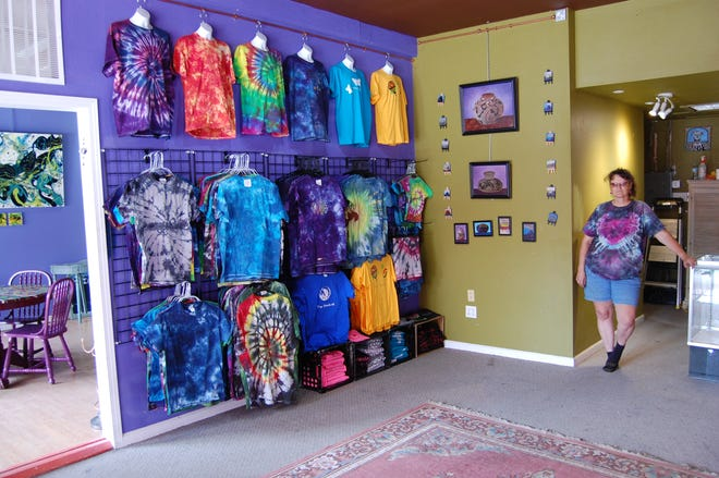 Painter and tie-dye artist Danni Andrew has opened her Danni Andrew Creates gallery in Studio 116 at 116 W. Main St. in downtown Farmington.