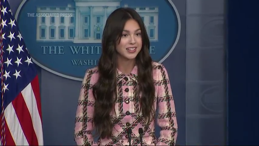 Fact check: Photo of Olivia Rodrigo at White House press briefing altered to add President Joe Biden