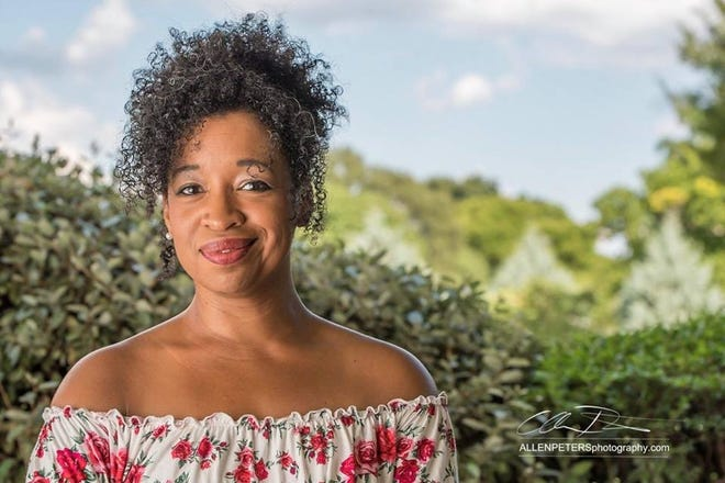 Sunday's Elm Tree Concert will feature Oklahoma City singer-songwriter Janice Francis-Smith at the Arcadia Round Barn.
