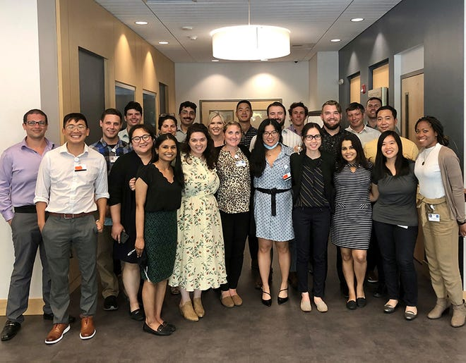 Portsmouth Regional Hospital's 2021-2022 first-year residents in its Graduate Medical Education programas an affiliate member ofTufts University School of Medicine.
