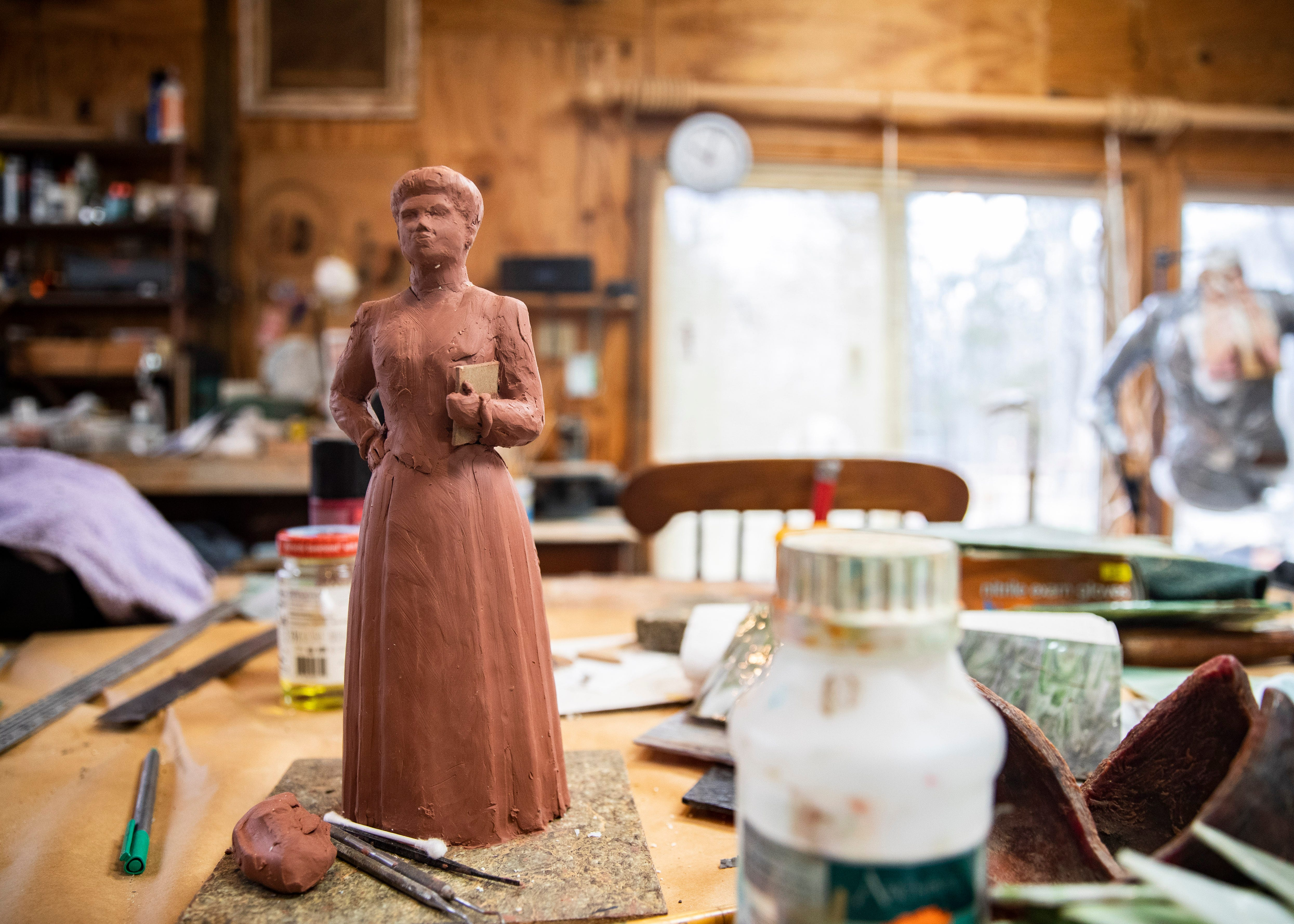 After selecting the time period Wells would be portrayed in the final statue, a small clay model of Wells was created by Lugar. This was used for her reference as she moved to the life-sized version, instead of creating multiple 2D sketches.
