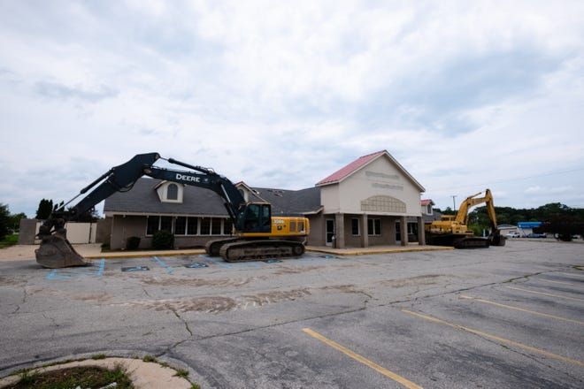 A demolition permit has been pulled for the former Golden Corral building in Fort Gratiot Township.