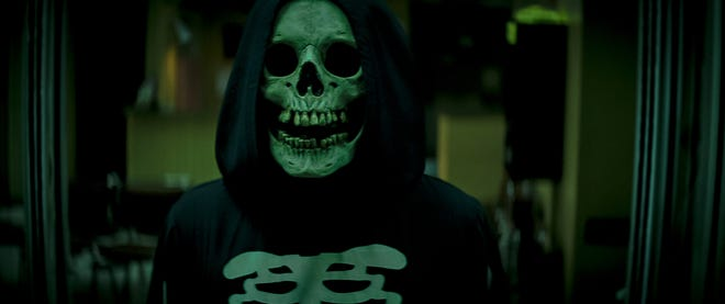 """Skull Mask, the first villain to appear in """"Fear Street Part 1: 1994"""", is a song by Ghostface from """"Scream""""."""