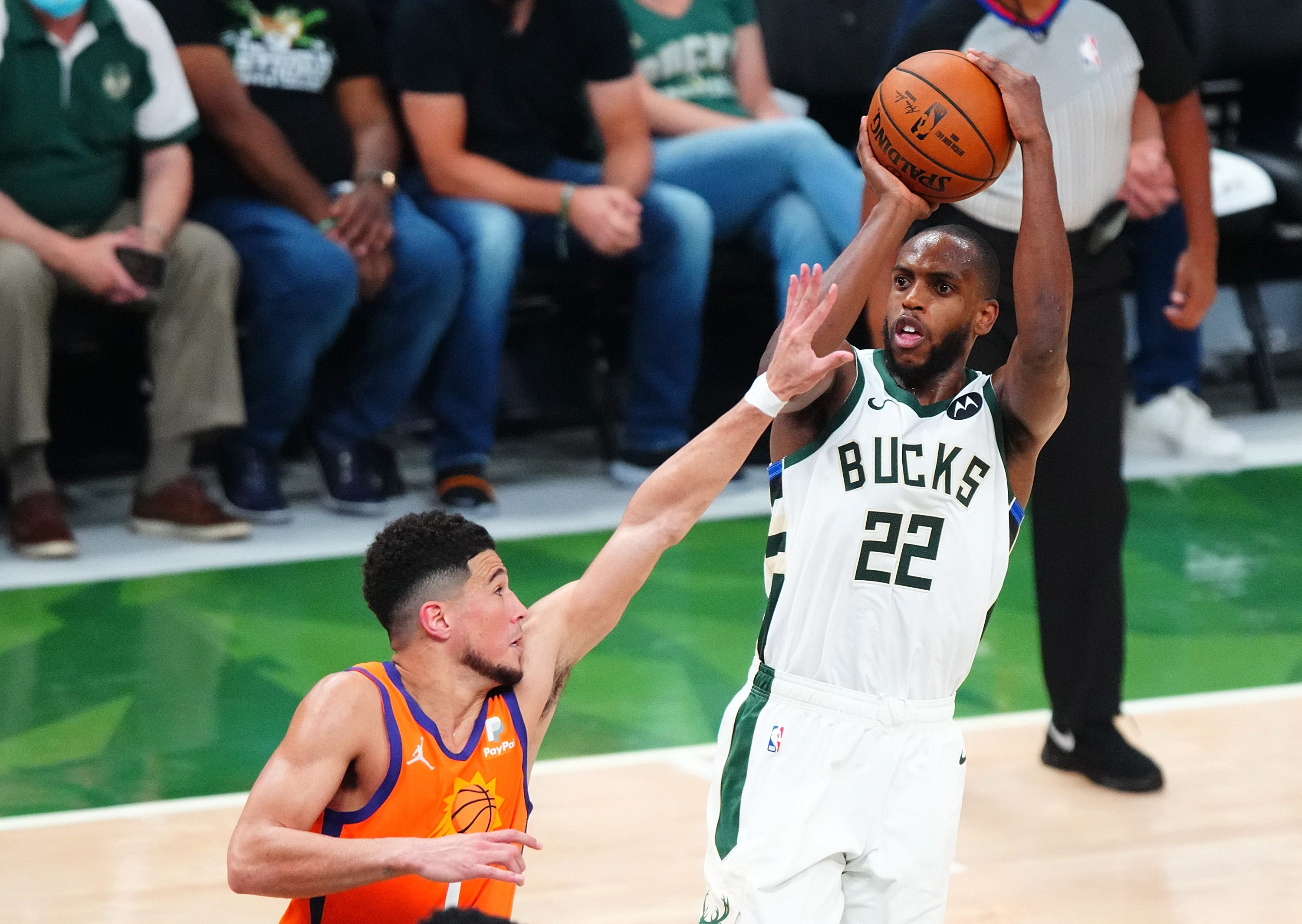 Bucks rally past Suns in Game 4 thriller to even NBA Finals at 2-2