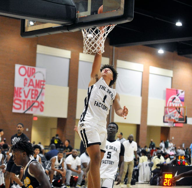 Augusta Christian's Elijah Crawford goes up for a layup during a Nike EYBL Peach Jam qualifier game at the Augusta Convention Center on July 16, 2021. [WYNSTON WILCOX/THE AUGUSTA CHRONICLE]