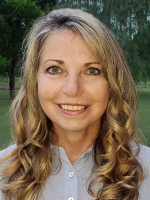 Rozanna Brown has been named a regional finalist for the 2022 Arkansas Teacher of the Year. Brown is a fourth-grade teacher at Ballman Elementary School.