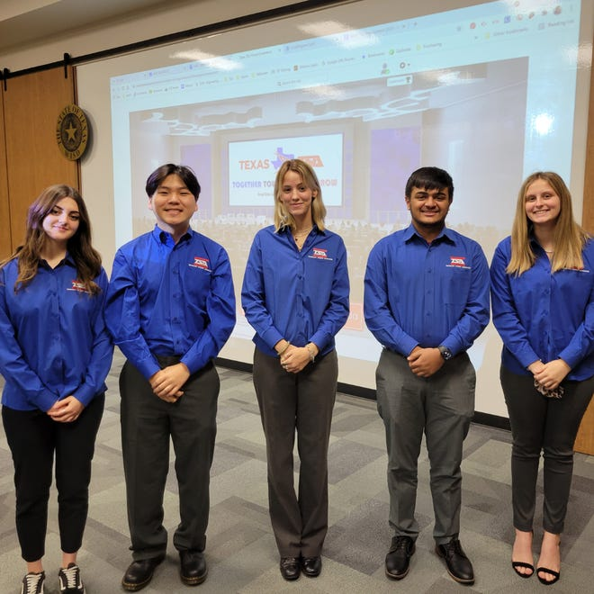 Waxahachie ISD's team of Mariahelena Messina (foreign exchange student from Italy), Danil Pak, Emma Sears, Dhruval Rangrej and Nicole Holmberg placed fifth nationally in Scientific Vizualization during the virtual 2021 National TSA Conference recently. Additionally, Rangrej and Holmberg were inducted into the TSA National Honor Society.