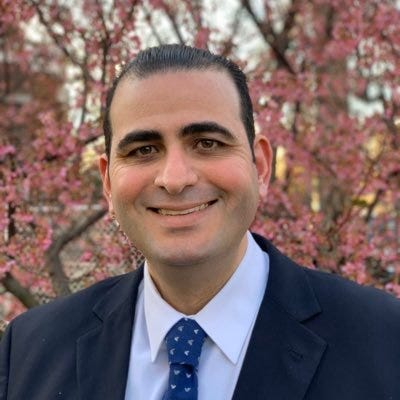 عابد أيوب ، مدير الشؤون القانونية والسياسات في لجنة مناهضة التمييز الأمريكية العربية (ADC)
