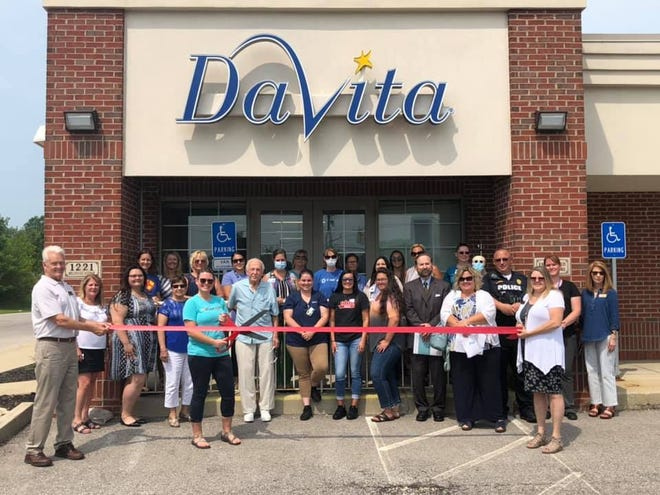 Marion Area Chamber of Commerce Ambassadors held a ceremonial ribbon cutting to mark the open house celebration with Heart of Marion DaVita Dialysis.
