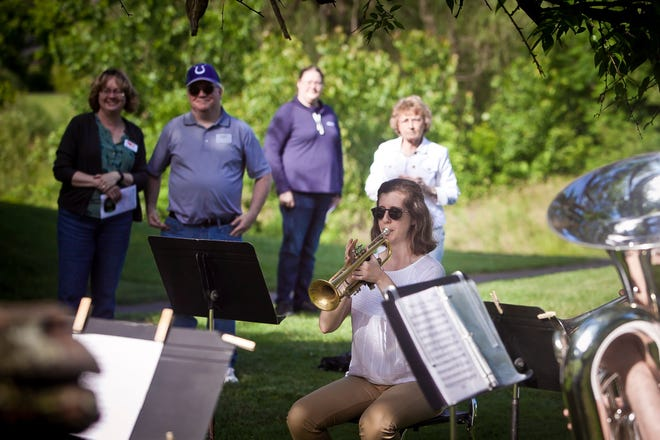 Guests enjoy RSO performers during a 2021 Sunset Series performance at Glen Miller Park golf course.