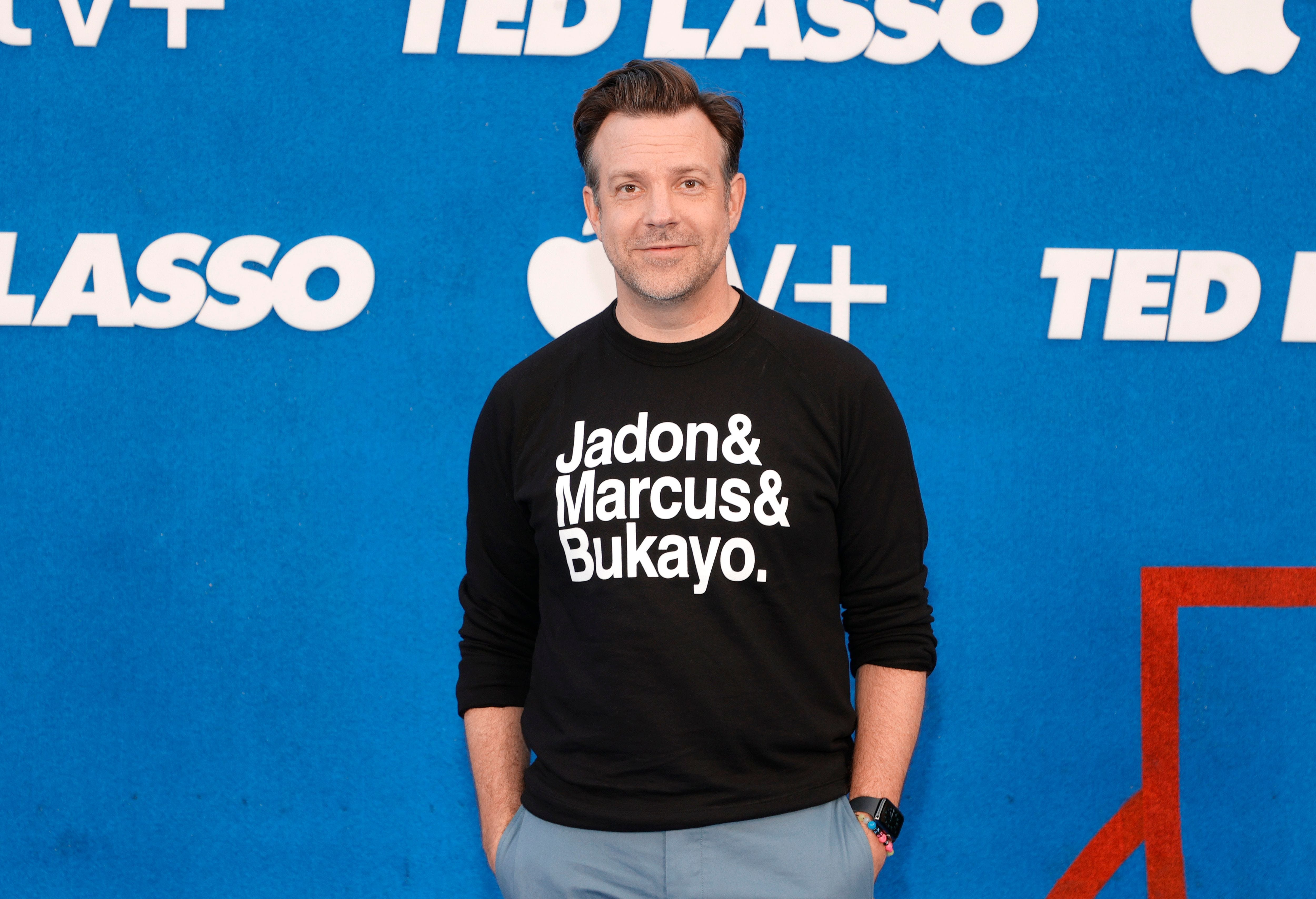 Jason Sudeikis wears shirt at 'Ted Lasso' premiere supporting England soccer players who faced abuse
