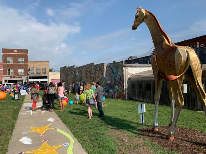 Breezeway Park is currently the home to one of the three giraffe statues in Topeka.