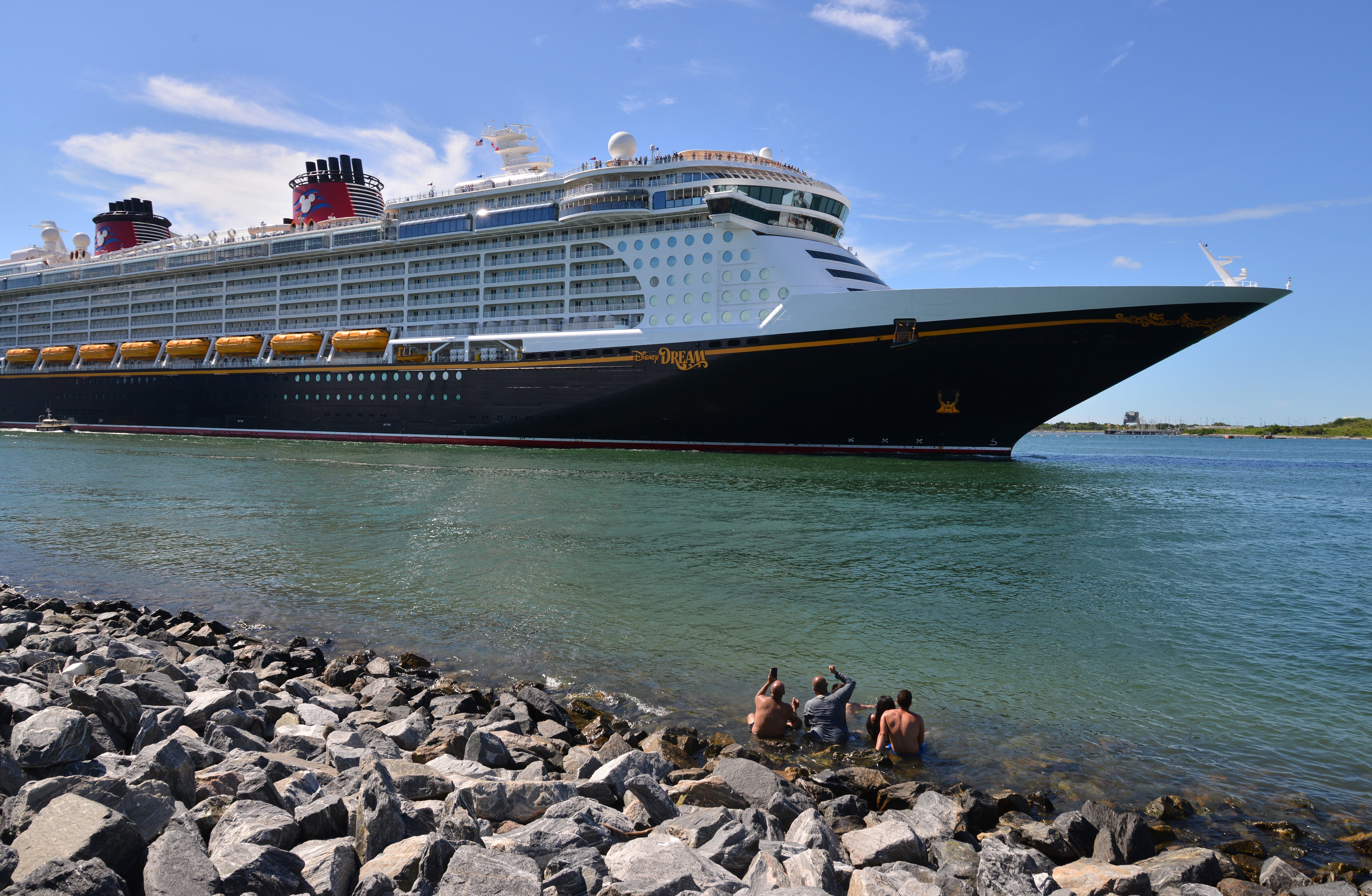 Disney Dream sails on test cruise from Port Canaveral, Florida