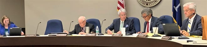 Spartanburg County Council Monday voted to repeal the county's controversial $25 annual road fee.