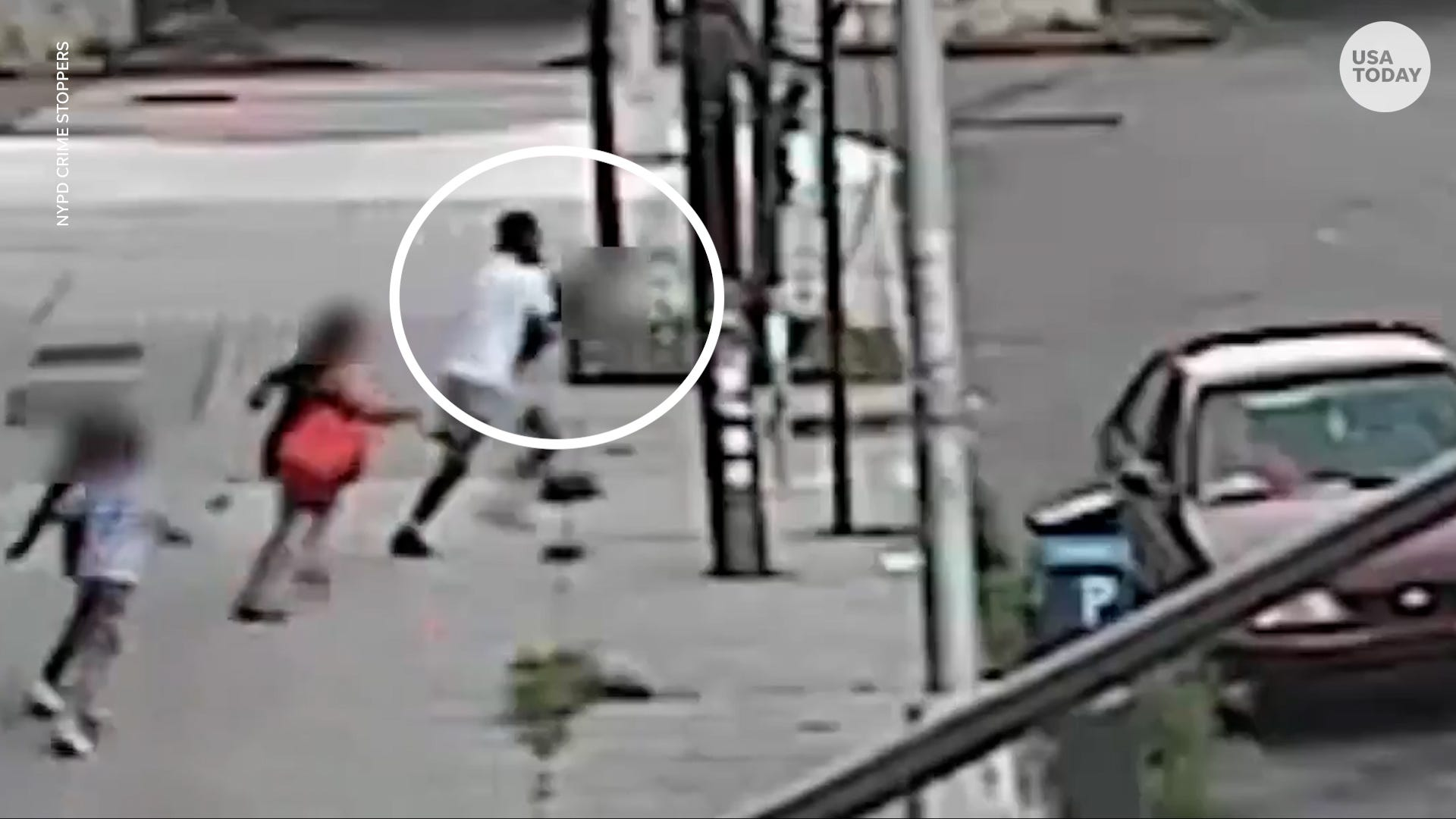 Surveillance footage shows mom save 5-year-old from attempted kidnapper