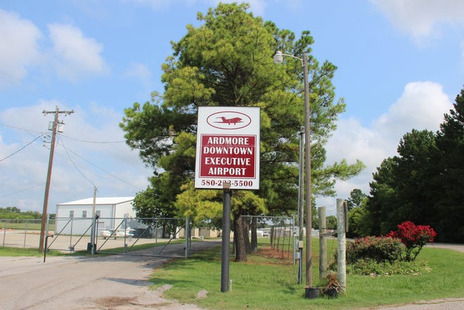 The Ardmore Downtown Executive Airport will soon receive a federal grant worth more than $1.7 million to fund additional upgrades and improvements.