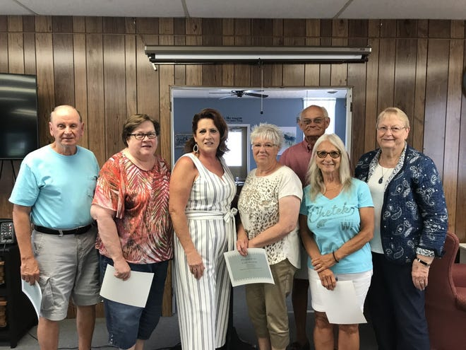 Pictured are the board who were recognized Friday at the Galva Senior Citizen Center  by director Pam Kelly. From left in front, Steve Johnson, Diana Craig,  vice-President; Pam Kelly, director; Vicki Perkins, teaches the genealogy class;  Krisann Smith, excels in supporting fundraisers;  and Evie Hier, a hostess for many years. Absent was Vicki Massie the treasurer. In the back, Dave McClintic, President and helps with all of the maintenance