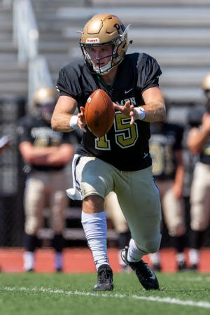 Mishawaka (Ind.) Penn's Ron Powlus III, a quarterback in the 2021 recruiting class, signed with Notre Dame on Dec. 16, 2020.