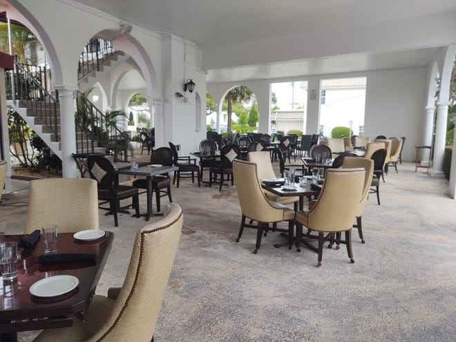 Outside patio dining at Polo Grill is charming and comfortable.