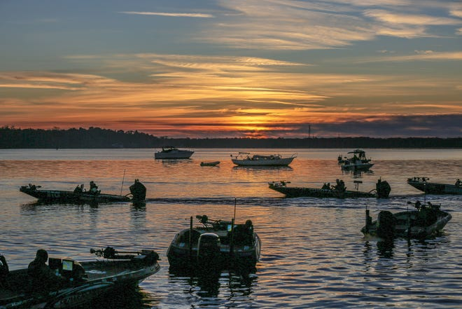 Bassmaster Elite Series anglers launch during the St. Johns River tour stop in Palatka. [COURTESY / B.A.S.S.]