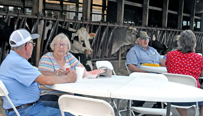 Guests could sit and eat under the watching eyes of Dotterer cows.