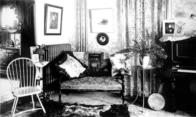 This is the Folsom House in Dorchester as it was in 1935. Learn more from Digital Commonwealth at www.digitalcommonwealth.org.
